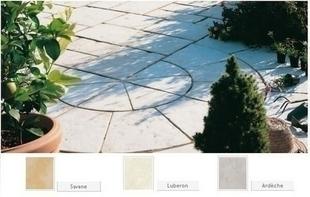 Cercle CASTELLANE en pierre reconstituée d'aspect martelé ép.3,5cm diam.2,80m coloris Savanne - Gedimat.fr