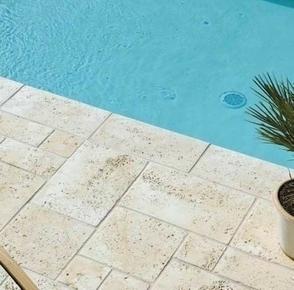 Margelle TIVOLI droite en pierre reconstituée d'aspect vieille pierre ép.3,5cm larg.30cm long.60cm coloris Languedoc - Gedimat.fr