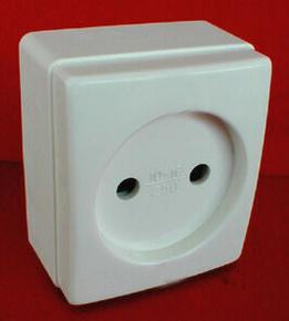 Prise de courant série BEJING pour pose en saillie 2 pôles 16A 220V coloris blanc - Gedimat.fr