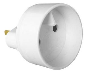 Adaptateur mâle standard américain / femelle standard européen 2P 16A coloris blanc - Gedimat.fr