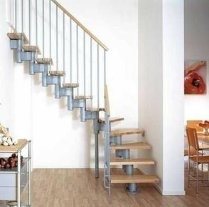 Escalier 1/4 tournant kit KOMPACT acier/bois haut.2,25/3,03m larg.74cm gris/hêtre - Gedimat.fr