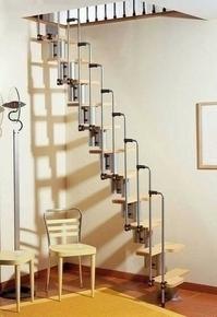 Escalier droit KARINA en acier plastifié gris haut.2,28/2,82m marches en bois (hêtre) clair finition verni - Gedimat.fr