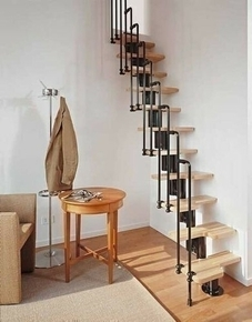 Escalier droit KARINA en acier plastifié noir haut.2,28/2,82m marches en bois (hêtre) clair finition verni - Gedimat.fr