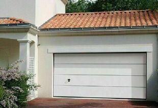 Porte de garage sectionnelle isolante sans nervure haut.2,125m larg.2,375m - Gedimat.fr