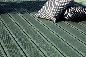 Lame de terrasse Composite FOREXIA ELEGANCE rainurée ép.23mm larg.138mm long.4m. Coloris Gris Anthracite - Gedimat.fr
