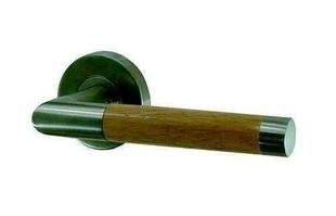 Ensemble de poign es de porte cigarillo sur rosace inox et for Poignee de porte bois