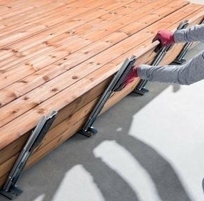 Module de terrasse pré-montée Pin Sylvestre constitué de 3 lames de terrasse marron pré-assemblées en usine et prêt à monter - Gedimat.fr