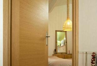 Bloc-porte ETNA placage chêne véritable isotherme huisserie KM1 haut.2,04m larg.83cm droit poussant finition verni naturel - Gedimat.fr