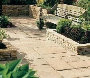 Margelle MANOIR angle sortant en pierre reconstituée d'aspect pierre de taille ép.4cm dim.30x30cm coloris Gironde - Gedimat.fr