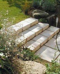 Marche MANOIR en pierre reconstituée d'aspect pierre de taille ép.15cm larg.35cm long.45cm coloris Gironde - Gedimat.fr