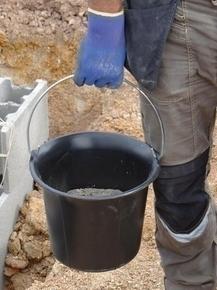 Seau de maçon plastique noir - 11l - Gedimat.fr