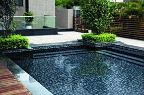 Emaux de verre de 2,5x2,5cm pour mur et piscine BLACK SCANDINAVIAN sur trame de 31,1x46,7cm coloris black - Gedimat.fr