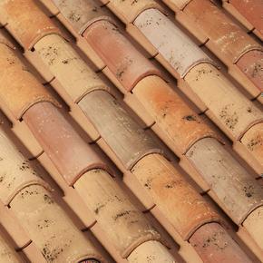 Tuile en terre cuite CANAL MIDI PATINEE coloris toit de récupération - Gedimat.fr