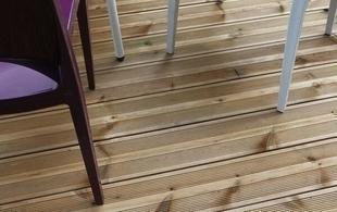 Lame de terrasse Pin du Nord classe 4 ép.27mm larg.145mm long.3,90m brun - Gedimat.fr