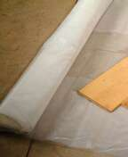 Film poly�thyl�ne isolant � poser avant sous-couche parquet surface 5x4m rouleau de 20m2 - Ragr�age WEBER.NIV DUR sac 25kg - Gedimat.fr