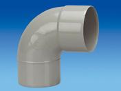 Coude PVC pour tube de descente de gouttière diam.100mm angle 87°30 mâle-femelle coloris gris clair - Sous-faîtière 1/2 pureau pour tuiles ROMANE-CANAL coloris panaché atlantique - Gedimat.fr