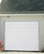 Porte de garage sectionnelle EUROPRO+ monobloc motoris�e en acier galvanis� motif rainur� �p.42mm haut.2,00m larg.2,375m coloris blanc - Portes de garage - Menuiserie & Am�nagement - GEDIMAT