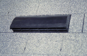 Chatière métallique en aluminium pour les toitures réalisées en forme carrée VERSITE ou en TOISITE - Plaques de couverture - Couverture & Bardage - GEDIMAT