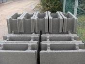 Bloc b�ton � bancher D3 pour vide-sanitaire VERTICOFFRE P60 long.60cm haut.20cm �p.15cm - Mortier de r�paration SIKAMONOTOP 612F sac de 25kg - Gedimat.fr