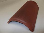 Faîtière/Arêtier de 42 à recouvrement coloris rouge sienne - Kit ventilation passive DUROVENT avec lanterne diam.110mm coloris rouge sienne - Gedimat.fr