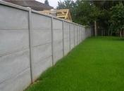 Poteau pour clôture béton pleine 2 faces haut.2,50m section 12x12cm gris - Tuile 2/3 pureau CANAL S coloris Saintonge - Gedimat.fr
