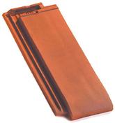 Demi-tuile HP10 HUGUENOT coloris ardoisé - Fronton grand modèle coloris vieilli nuance sur fond rouge - Gedimat.fr