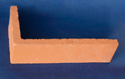 Plaquette d'angle en terre cuite ép.1,4cm long.22cm haut.5cm rouge lisse - GEDIMAT - Matériaux de construction - Bricolage - Décoration