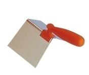 Truelle angle extérieur lame inox ép.0,6mm larg.12cm long.20cm - Truelle de couvreur Reims acier Cuazzola 16cm manche bois frêne verni - Gedimat.fr