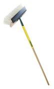 Balai de cantonnier avec grattoir manche bois percé larg.32 cm. - Outillage du maçon - Matériaux & Construction - GEDIMAT