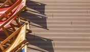 Lame de terrasse Composite FOREXIA ELEGANCE rainurée ép.23mm larg.138mm long.4m - Poutre VULCAIN section 12x45 long.6,50m pour portée utile de 5.6 à 6.1m - Gedimat.fr