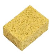 Eponge de maçon mousse polyuréthane alvéolée ép.6cm larg.10cm long.14cm jaune - Tasseau Sapin du Nord section 28x70mm long.2,40m - Gedimat.fr
