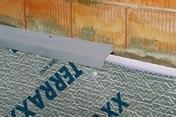 Nappe pour drainage horizontal à excroissances avec non tissé filtrant DELTA TERRAXX rouleau larg.2,4m long.20m - Fronton de rive équerre pour faîtière à emboitement 50cm DC12 coloris rose - Gedimat.fr