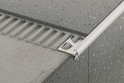 Nez de marche Schlüter®-TREP-FL-AE 110 aluminium anodisé mat long.2,5m - Outillage du carreleur - Revêtement Sols & Murs - GEDIMAT