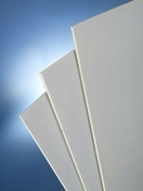 Plaque de plâtre haute dureté BA18 KNAUF KHD ép.18mm larg.1,20m long.2,70m - Carreau de béton cellulaire à emboitement ép.10cm haut.25cm long.60cm - Gedimat.fr
