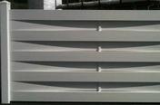Kit clôture tressée en PVC haut.90cm long.1,80m blanc - Arêtier cornier coloris vieillie chateau - Gedimat.fr