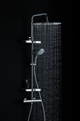 Colonne de douche non hydro DOME DE PLUIE OPIUM laiton chromée - Porte de service GUAGNO en aluminium laqué gris droite poussant haut.2.15m larg.90cm - Gedimat.fr