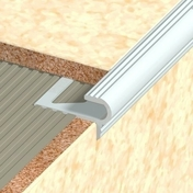 Nez de marche en aluminium Florentin pose encastré pour carrelage Long.2,50m haut.12,5mm - Ecrou à collet battu pour raccord à visser femelle 15x21 diam.tube 10mm - Gedimat.fr