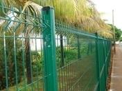 Poteau AQUILON en acier galvanisé haut.1.05m à sceller vert RAL 6005 brillant - Cheville à expansion forcée diam.10mm long.75mm - Gedimat.fr