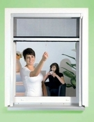 Store moustiquaire enroulable Aluminium pour fenêtre haut.1,60m larg.1,00m laqué Blanc - Cadre moustiquaire Aluminium pour fenêtre haut.1,50m larg.1,30m laqué blanc - Gedimat.fr