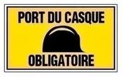 Plaque port du casque obligatoire 330x200mm - Panneau de Particule Surfacé Mélaminé (PPSM) ép.8mm larg.2,07m long.2,80m Laser finition Perlé - Gedimat.fr