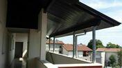 Lambris sous face PVC extérieur ép.10 mm larg.250 mm utile (264,5 hors tout) long.4 m Gris anthracite - Planche de rive RIVECEL ép.9mm haut.22,5cm long.5m blanc - Gedimat.fr