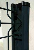 Poteau GIGA à clips en acier galvanisé haut.2,50m anthracite RAL 7016 brillant - Clips inox vert sachet de 24 pièces - Gedimat.fr