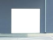 Porte de garage enroulable motorisée en aluminium haut.2.50m larg.3.00m coloris gris anthracite - Support de rampe coudé fixe en acier finition bichromatée - Gedimat.fr